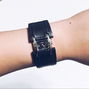 🌹Pulsar Z29 Genuine Leather Cuff Bracelet Watch
